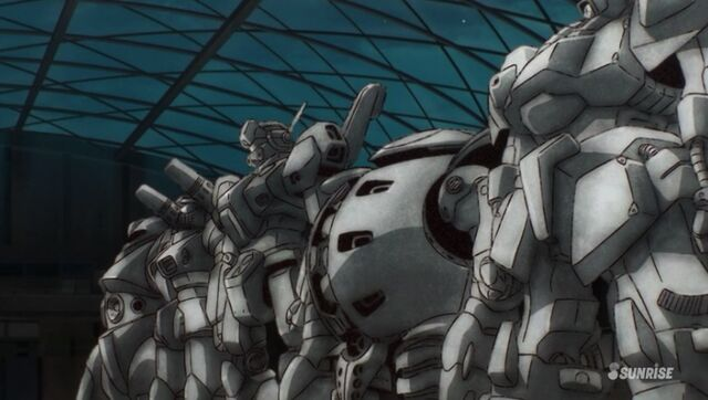 File:Gundam Reconguista in G old suits.jpg