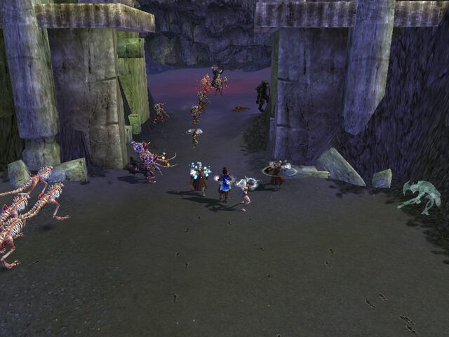 File:Barrage Pet Tombs group.jpg