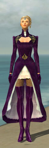File:Mesmer Courtly Armor F dyed front.jpg