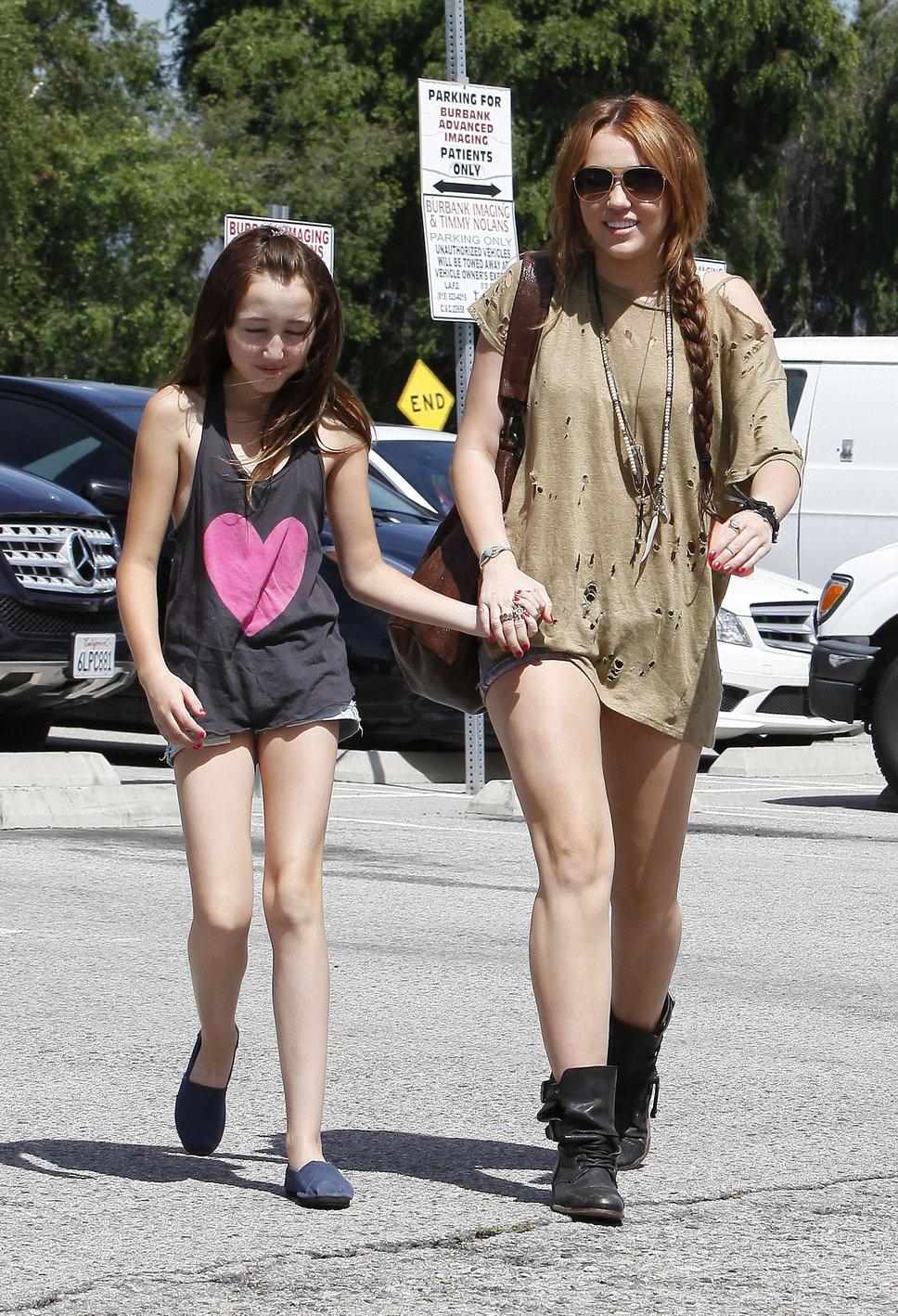 Noah Lindsey Cyrus | Hannah Montana Wiki | FANDOM powered ...