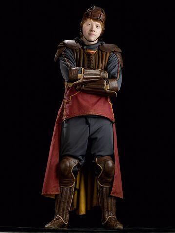 File:Ron Weasley (HBP promo) 5.jpg