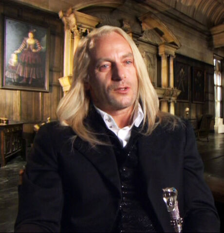 File:DH Jason Isaacs interview01.jpg