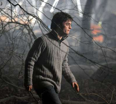 File:Deathly hallows daniel radcliffe photo.jpg