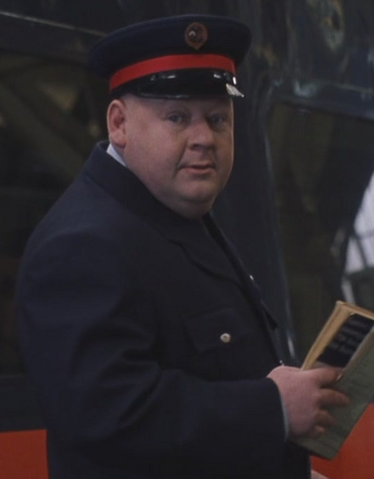 File:King's Cross Station guard.png