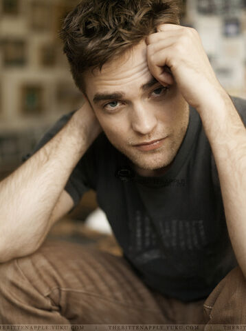 File:Robert-pattinson-tv-week-outtakes-01.jpeg