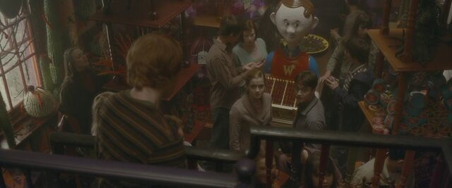 File:Bowtruckle toy at Weasley's.jpg