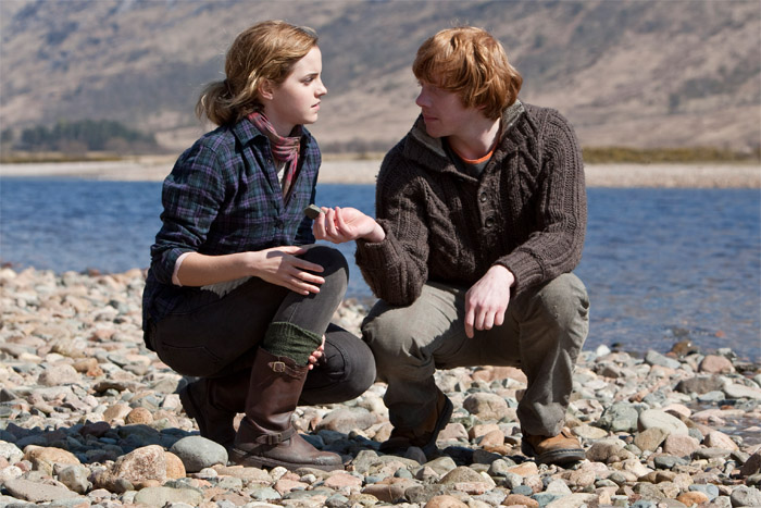 DH1 Ron and Hermione picking up stones.jpg