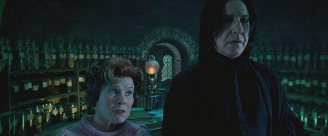 File:Umbridge inspecting Snape.jpg