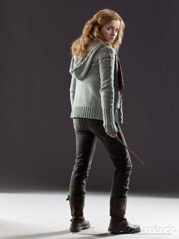 File:DH Hermione Granger in her muggle attire.jpg