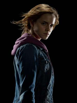 File:Hermione Granger Deathly Hallows promotional image.jpg