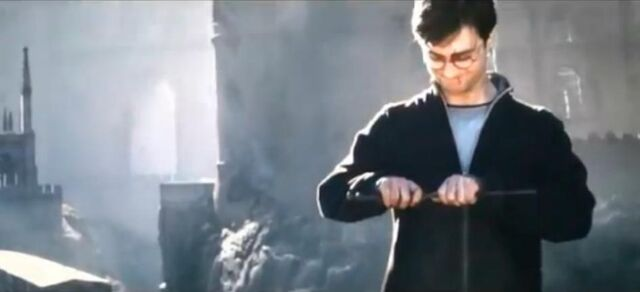 File:Harry-breaks-the-elder-wand-harry-potter-23716711-946-431.jpg