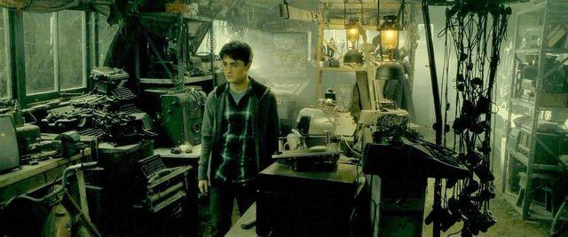 File:Harry-potter-half-blood-movie-screencaps.com-9040.jpg