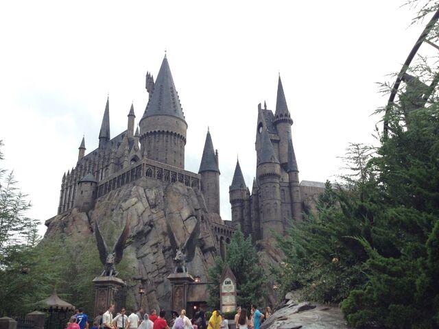 File:Hogwarts-0.jpg