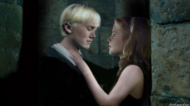 File:Draco-Malfoy-draco-malfoy-6794023-888-500.jpg
