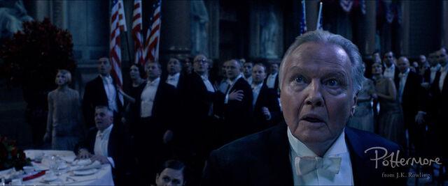 File:Shaw Sr surprised Fantastic Beasts CC Trailer WM.JPG