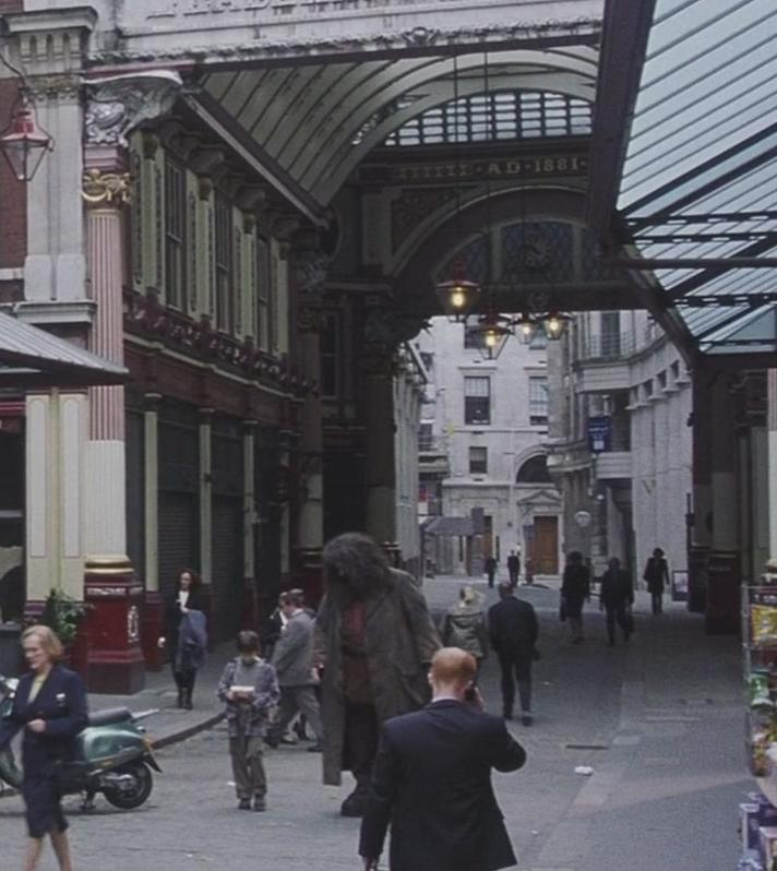 leadenhall market harry potter wiki fandom powered by wikia. Black Bedroom Furniture Sets. Home Design Ideas