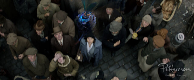 File:Billywig Fantastic Beasts CC Trailer WM.JPG