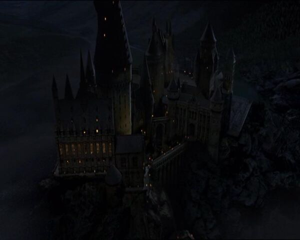 File:Hogwartsnight.JPG