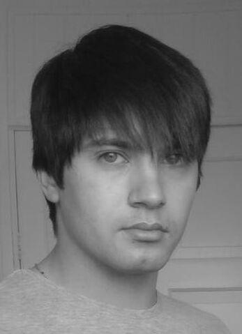 File:Shaun Andrews profile.jpg
