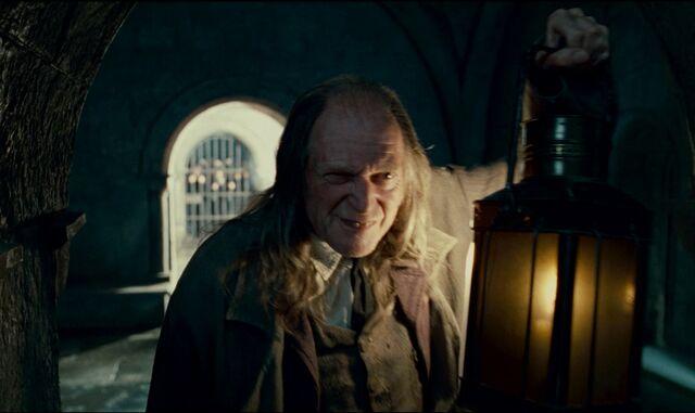 File:Filch in Deleted Scene.jpg