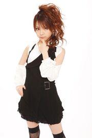 Tanaka Reina-372208