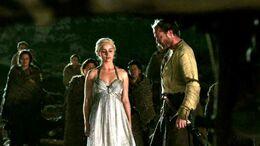 Daenerys y Jorah ante la pira HBO.jpg