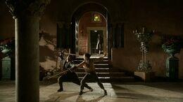 Arya y Syrio practicando HBO.jpg