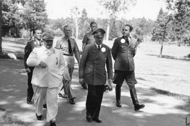 File:Goering Hitler Gunsche Speer...jpg