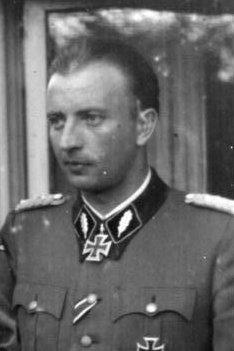 File:Bundesarchiv Bild 101III-Bueschel-056-21A, Russland, Hermann Fegelein.jpg