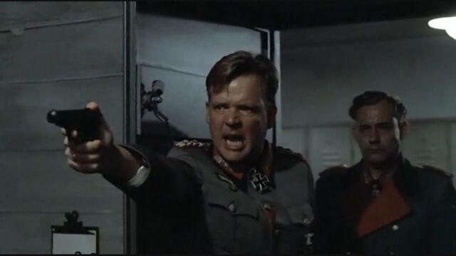 File:Burgdorf aims pistol.jpg