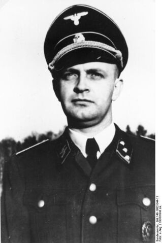 File:Bundesarchiv Bild 146-1982-044-11, Heinz Linge.jpg