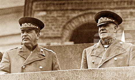 Imagini pentru stalin y zhukov
