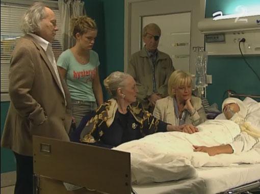 Fil:Jens August i koma.jpg