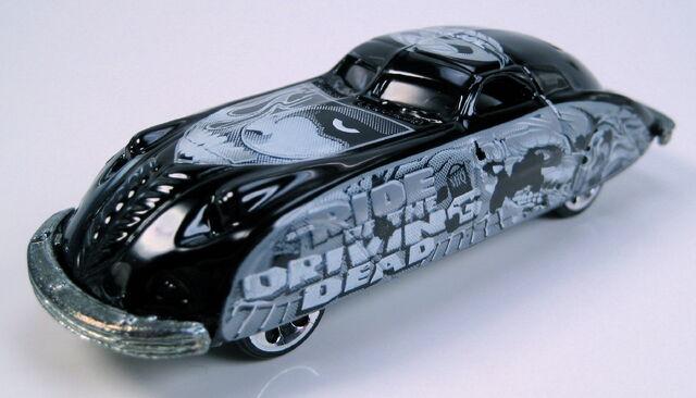 File:38 phantom corsair black halloween highway r.JPG