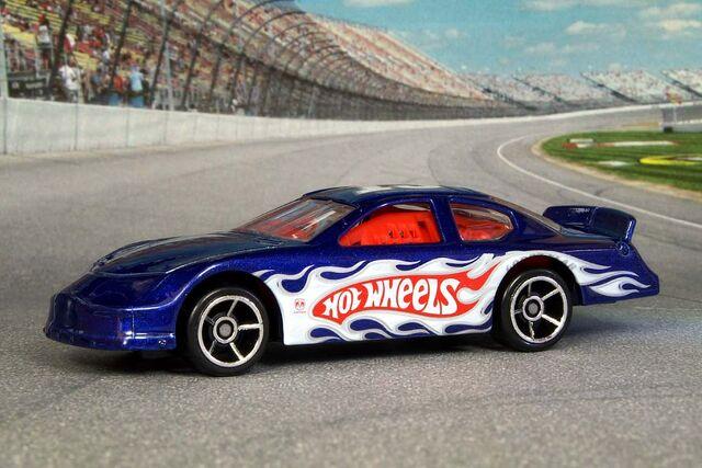 File:Header Dodge Charger Stock Car - 6515gf.jpg