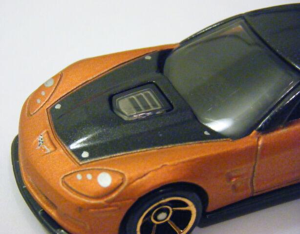 File:09 Corvette ZR1 - 09 FTE CU Hood.JPG