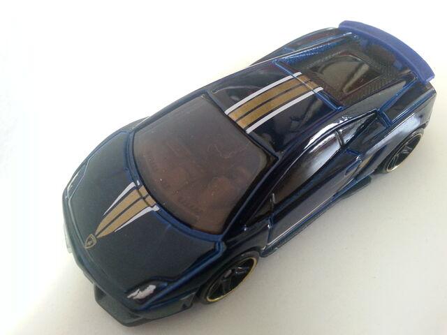 File:Lamborghini Gallardo LP 570-4 Superleggera side.jpg