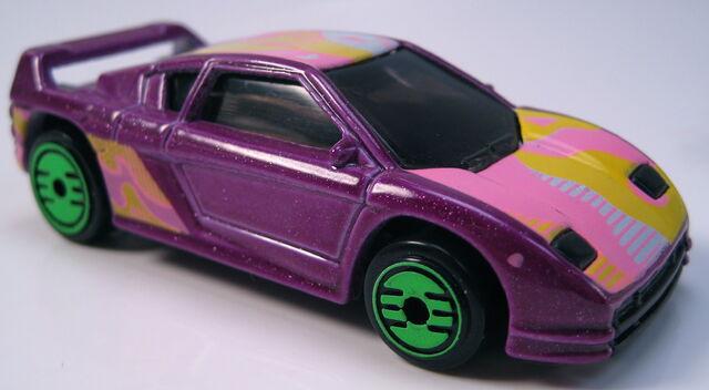 File:Zender Fact 4 revealers purple metalflake.JPG