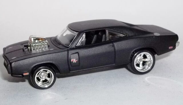 File:HW-2014-Retro Entertainment-'70 Dodge Charger R T.jpg