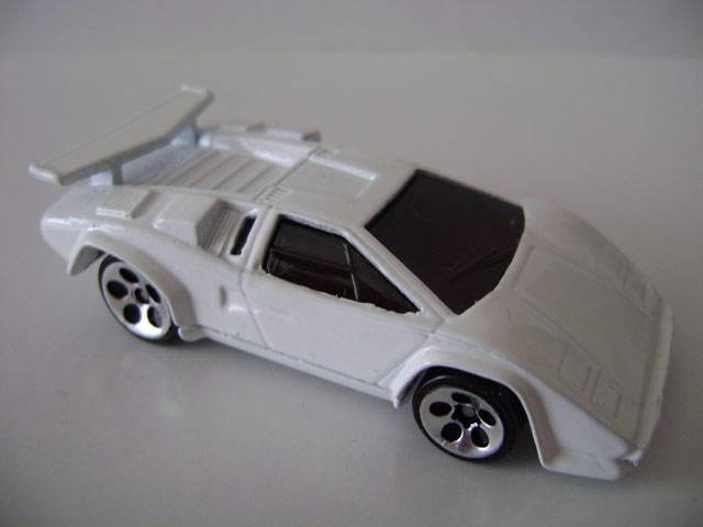 File:Lamborghinicountach232.jpg