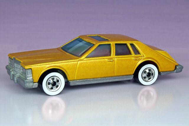 File:Cadillac Seville - 2541df.jpg