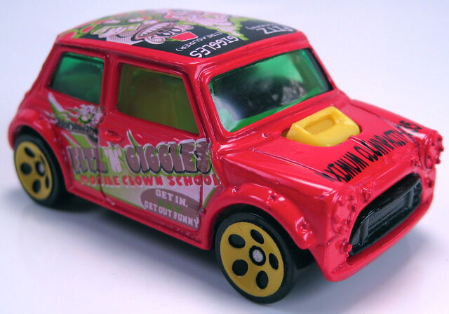 File:Mini cooper crazed clown series.JPG