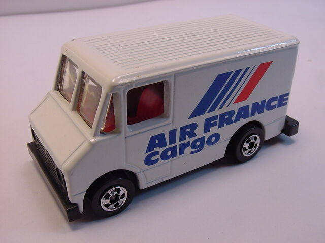 File:1991 del truck air cargo international.jpg