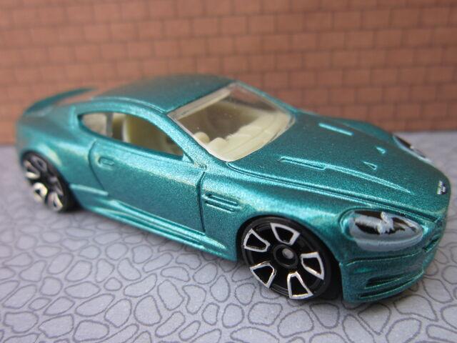 File:Aston Martin DBS green.jpg