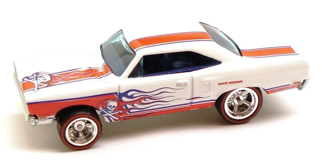 File:Roadrunner WG white.JPG