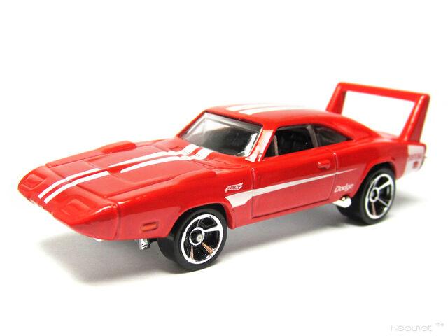 File:Hot Wheels 2013 69 Dodge Charger Daytona MC5.jpg