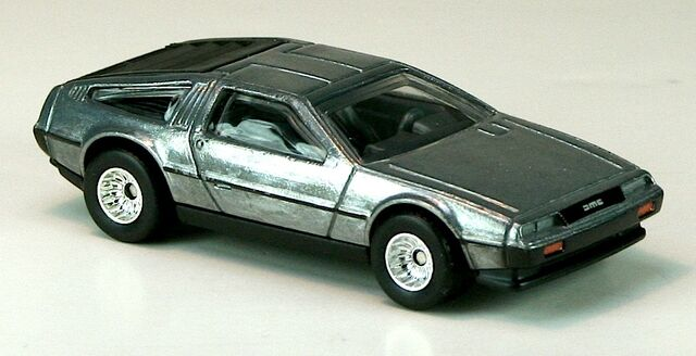 File:2012-HWB-DeLoreanDMC12-Silver.jpg