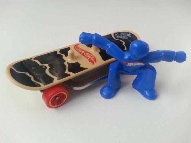 File:Skate Punk close-up.jpg