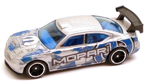 File:DodgeChargerDrift silver greytampo.JPG