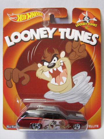 File:Hot Wheels 2014 Pop Culture Looney Tunes 71 Plymouth Satellite Card.jpg